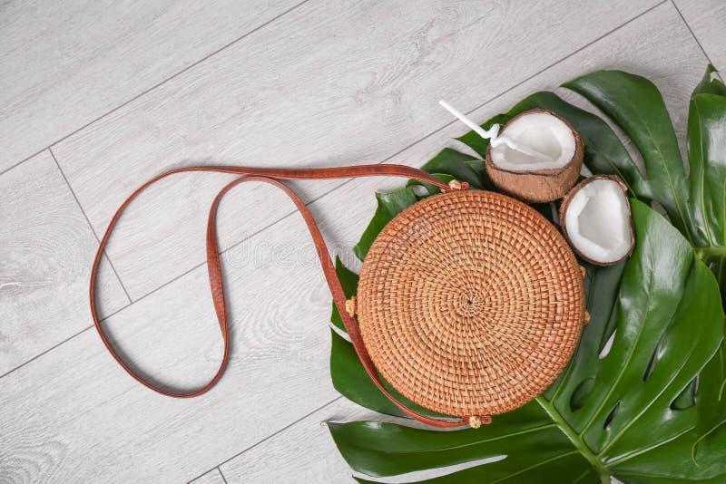 与竹袋子的平的位置构成 库存图片