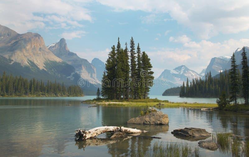 与精神海岛的加拿大风景 碧玉 航寄 库存图片