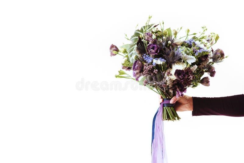 与精美花的美丽的花束 免版税库存照片