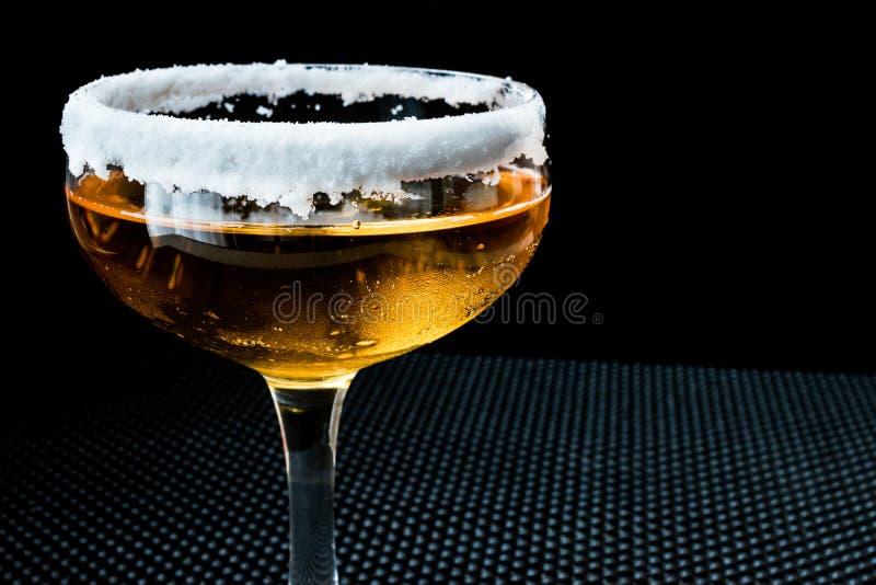 与糖外缘的边车鸡尾酒 免版税库存图片