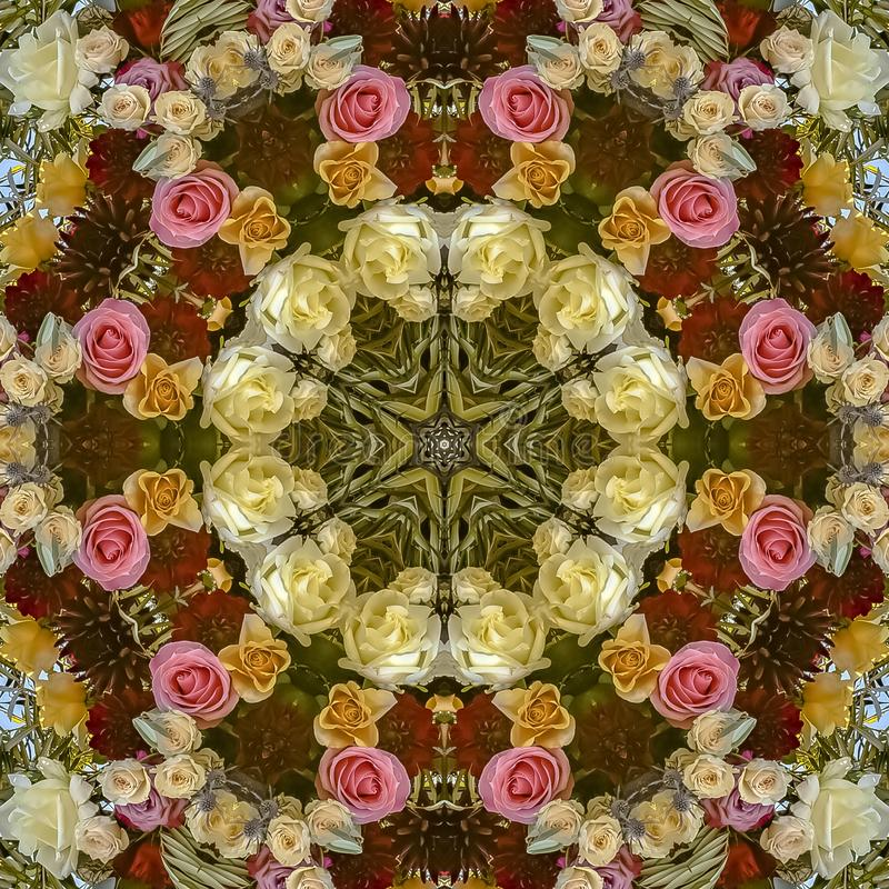 与红色和桃红色玫瑰的正方形圆花卉设计在婚礼 库存例证
