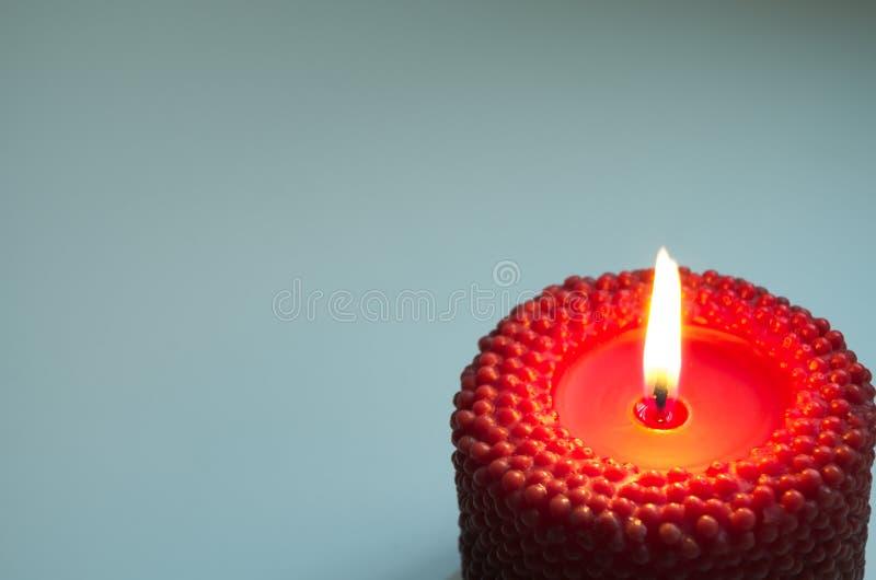 Download 与红色蜡烛的背景 库存图片. 图片 包括有 特写镜头, 藤茎, 黑暗, 典雅, 当事人, 竹子, 红色, 冷杉 - 72367581