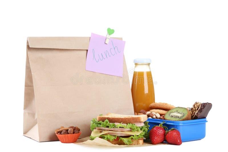 与纸袋的学校午餐 库存照片