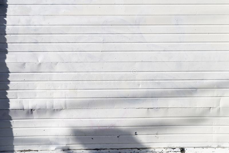 与纹理3的金属盘区外部白色 免版税图库摄影