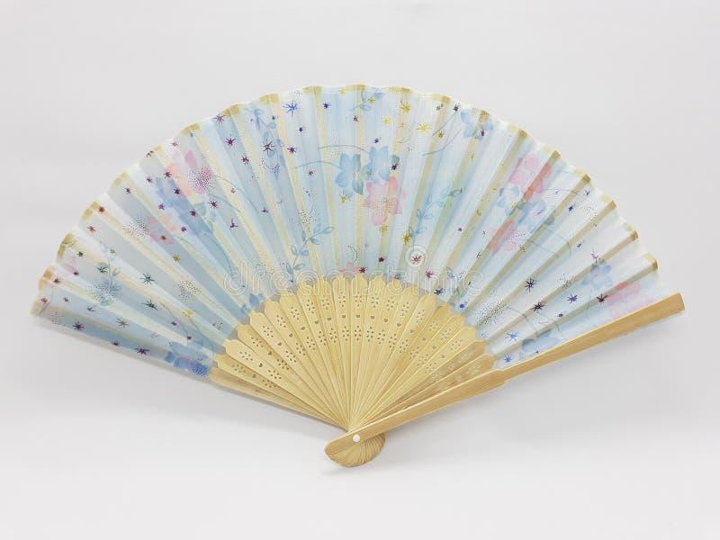 与织品袖子21的木竹丝绸折叠的爱好者中国日本葡萄酒减速火箭的样式手工制造丝绸花卉样式手爱好者 库存照片