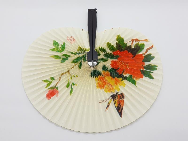 与织品袖子34的木竹丝绸折叠的爱好者中国日本葡萄酒减速火箭的样式手工制造丝绸花卉样式手爱好者 库存照片