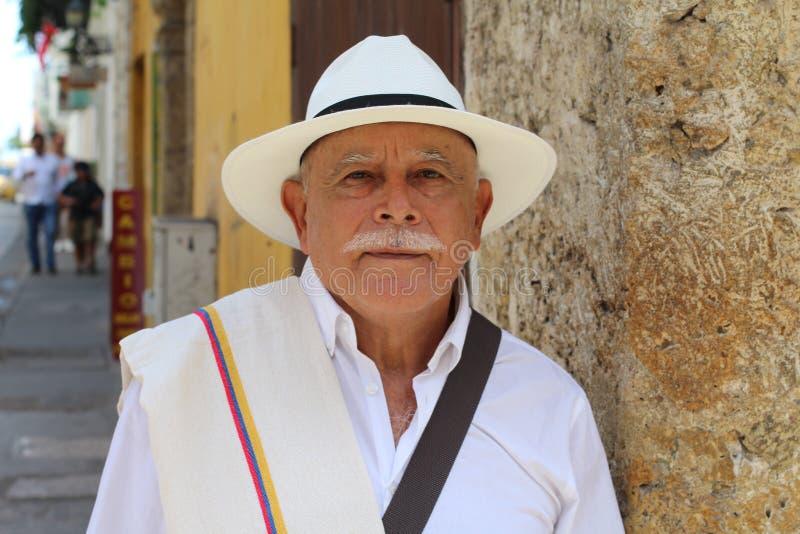 与经典神色的长辈南美男性 免版税图库摄影