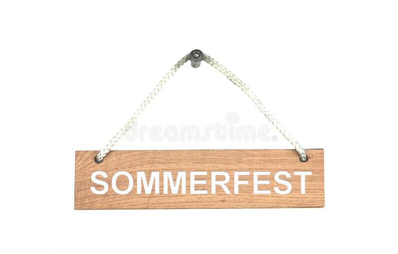 与绳索的木标志:公平地夏天德语 免版税库存图片