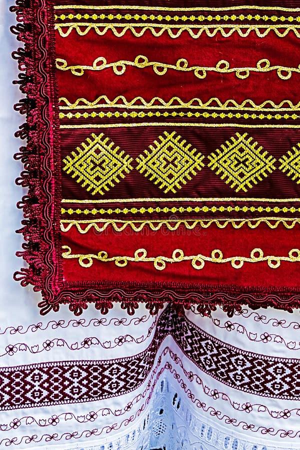 与罗马尼亚传统刺绣2的材料 免版税库存照片