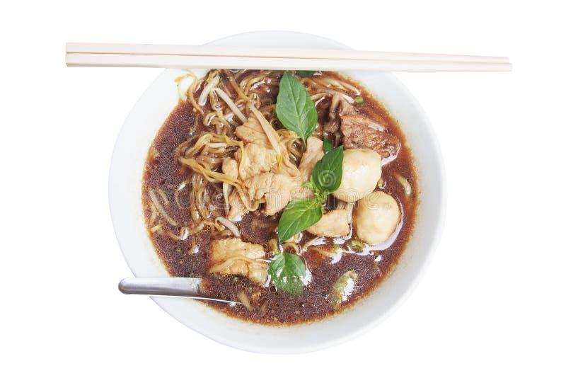 与肉丸的泰国黄色汤面 图库摄影