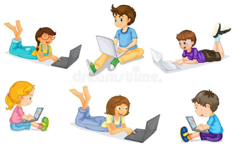 与膝上型计算机的孩子 库存例证