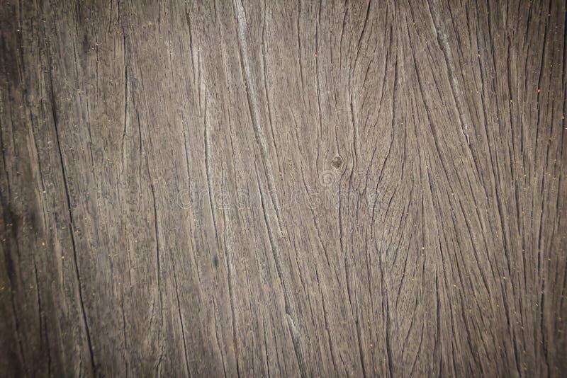 与自然样式的抽象老木板条纹理 老棕色木纹理的老脏的表面背景的 免版税库存照片