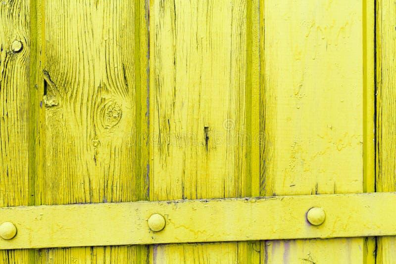 与自然样式的老黄色木纹理 免版税库存照片