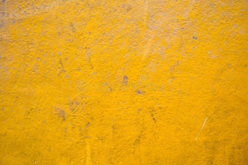 与自然样式的黄色木纹理背景 库存照片
