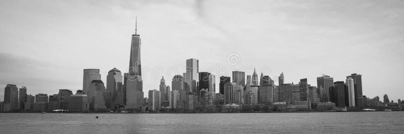 与自由塔全景的曼哈顿地平线 免版税库存照片