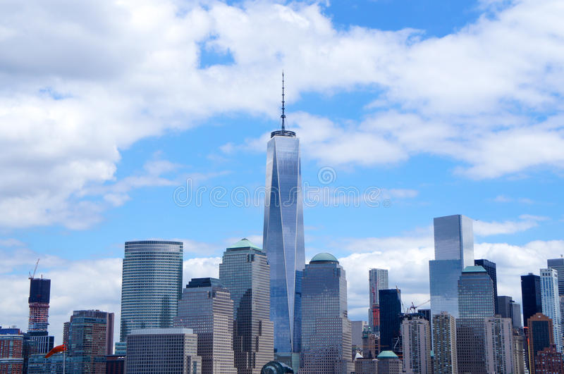 与自由塔的纽约街市地平线 免版税图库摄影