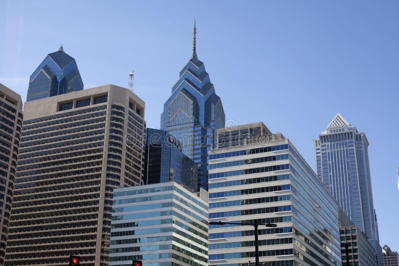 与自由塔的费城地平线 库存图片