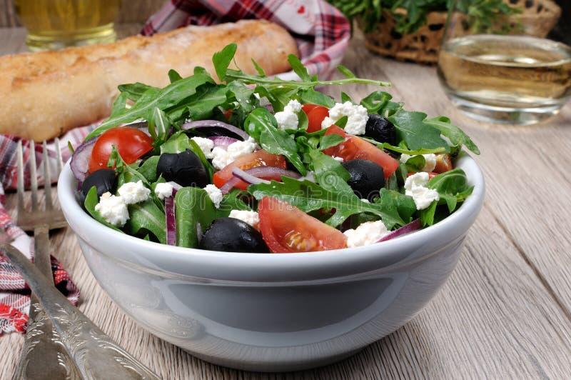 与芝麻菜的希腊沙拉 库存图片
