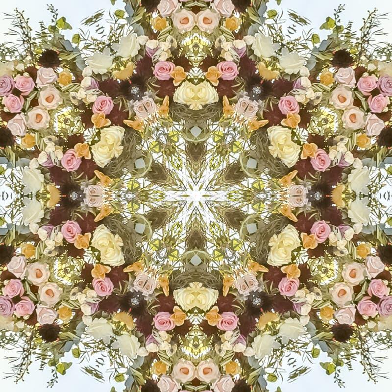 与花卉颜色的正方形圆几何花设计在婚礼 库存图片