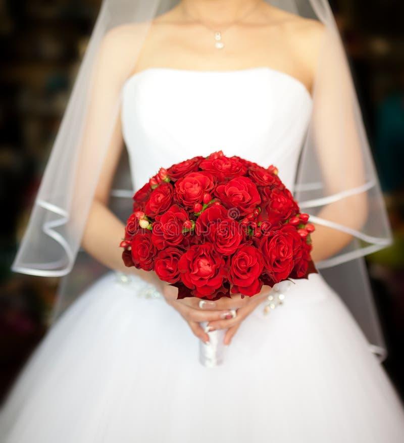 与英国兰开斯特家族族徽的新娘花束 免版税库存照片
