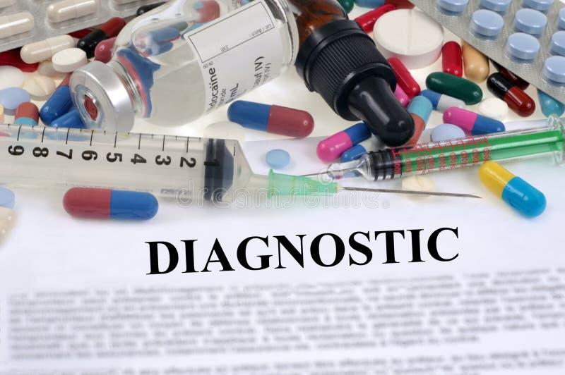 与药物和注射器的诊断概念 免版税库存照片
