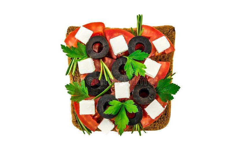 与菜和乳酪的三明治在被隔绝的白色背景 免版税库存图片