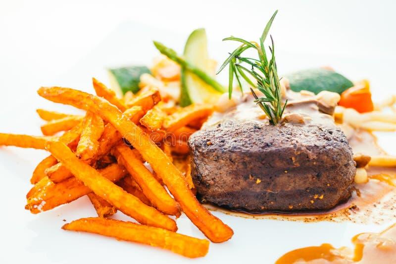 与菜的烤牛里脊肉肉 库存照片