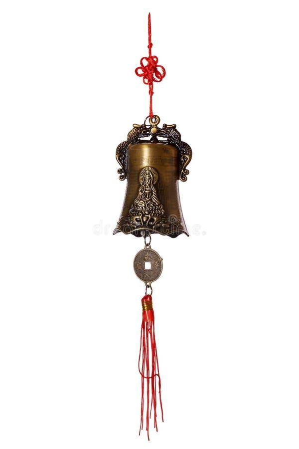 与菩萨图象的中国响铃,当红色螺纹和硬币风水的被隔绝 库存图片
