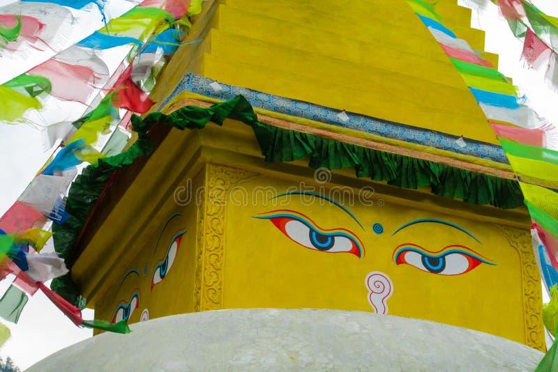 与菩萨眼睛的Stupa在尼泊尔 免版税图库摄影