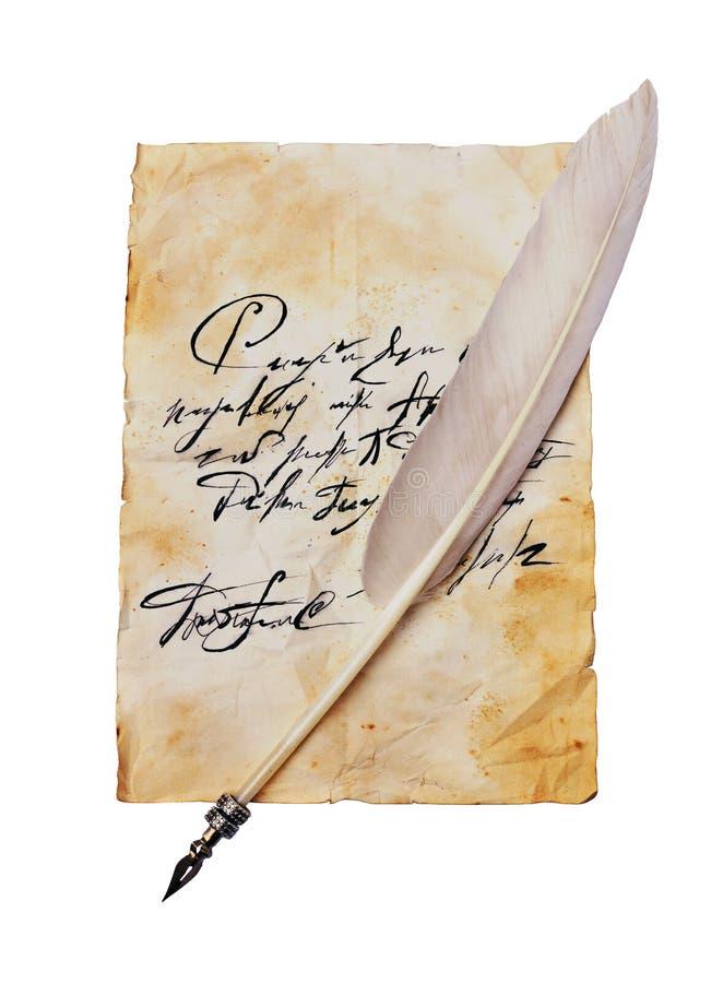 与葡萄酒手写和羽毛笔的老信件 库存图片