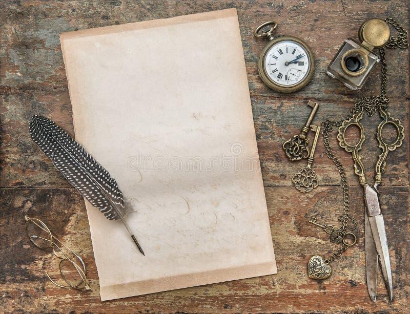 与葡萄酒文字工具的信笺纸 横幅装饰羽毛例证墨水池笔 库存图片