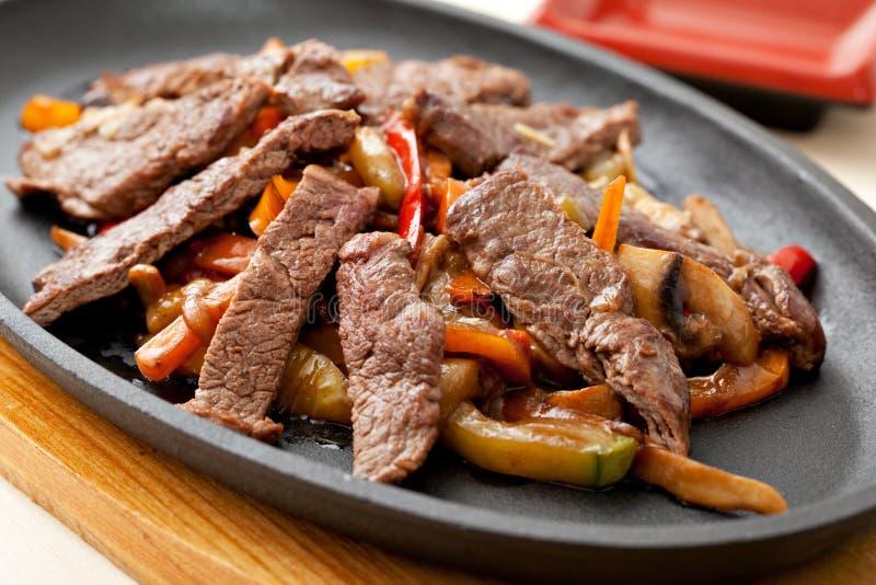 与蔬菜的肉 库存照片