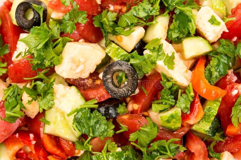 与蕃茄、黄瓜和乳酪立方体的沙拉 库存图片