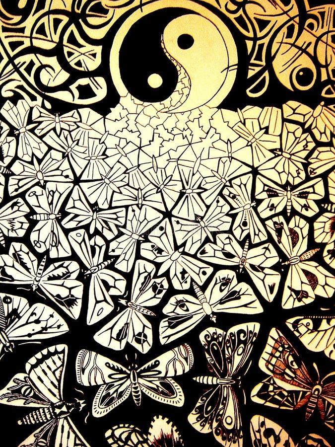 与蝴蝶宏观背景墙纸美术的绊倒的剪影 免版税库存图片