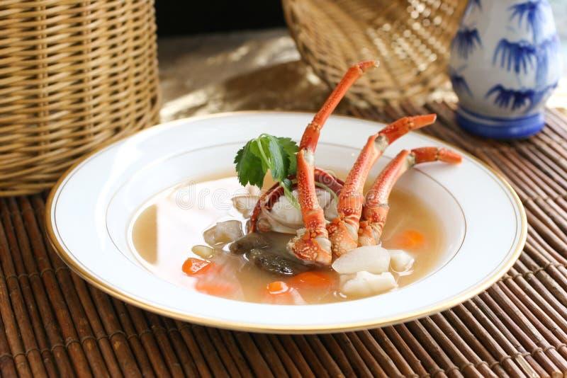 与螃蟹的中国汤 图库摄影