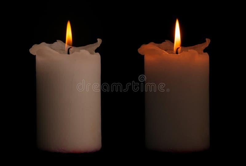 与裁减路线的两个蜡烛 免版税图库摄影