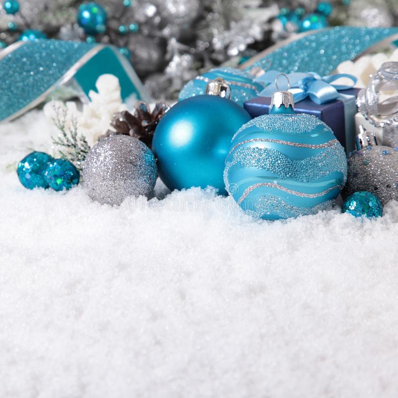 与装饰的圣诞节边界和最高荣誉在平方的雪 图库摄影