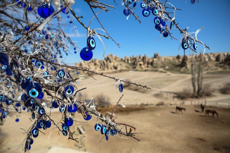 与装饰的树 免版税库存照片
