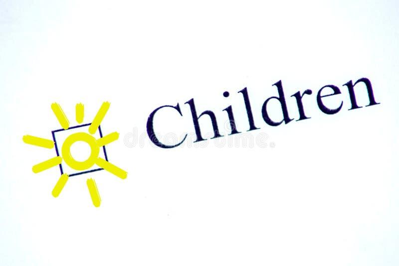 与词孩子的清单与笔的白皮书的 复选框概念 库存图片