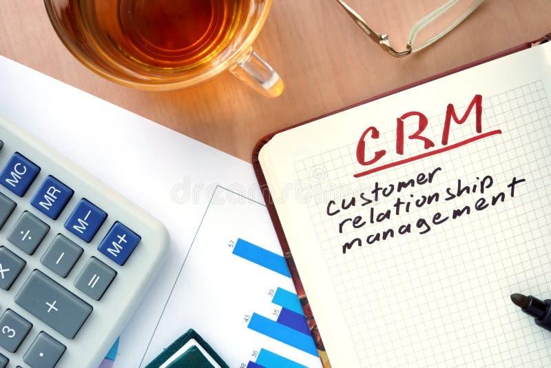 与词客户关系管理顾客关系管理概念的笔记薄 库存照片