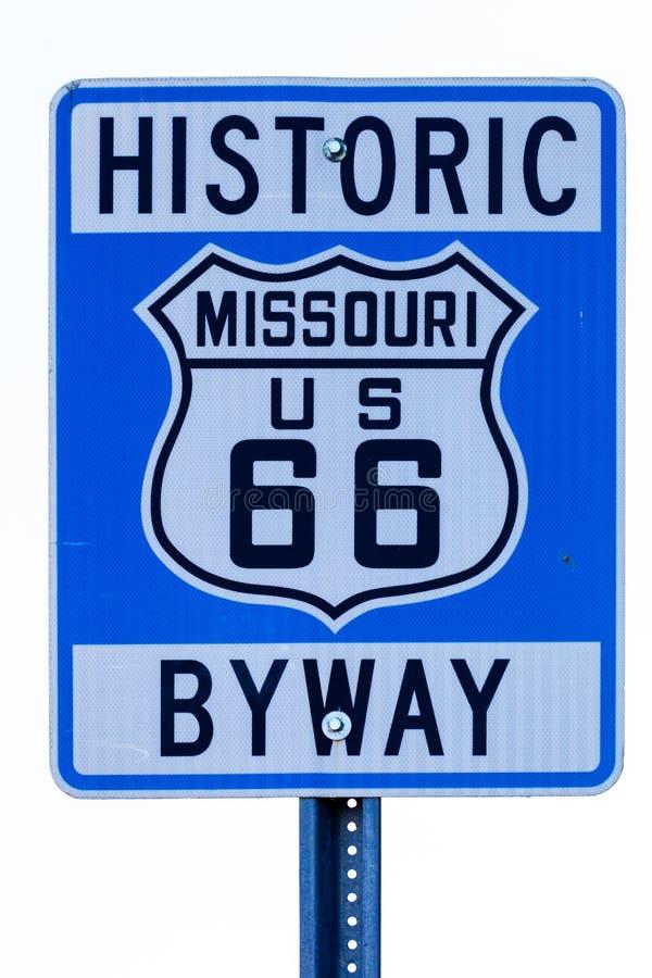 与路线66的路牌在密苏里 免版税库存照片