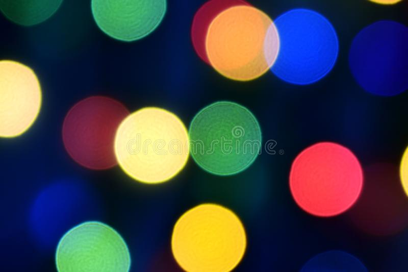 与轻的美妙地一点光的蓝色圣诞节bokeh 库存图片