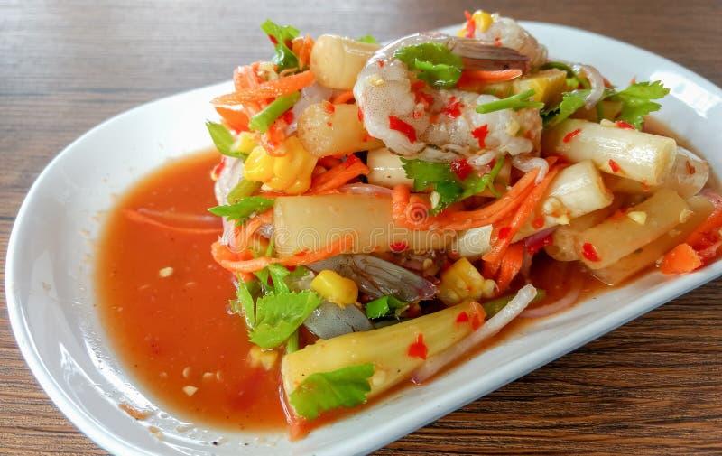 与辣的海鲜沙拉 库存图片