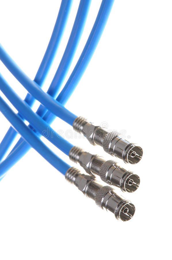 在白色背景隔绝的蓝色同轴电缆 免版税库存照片