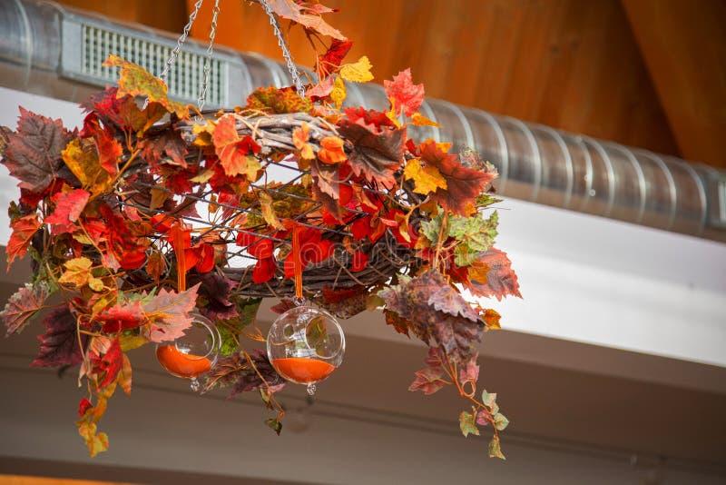 与透明球形2 2的抽象秋天构成 库存图片