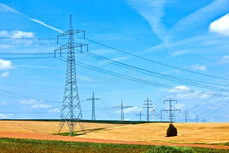 与造风机的电能线 免版税库存图片
