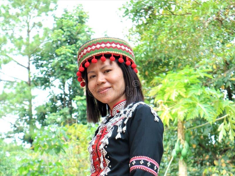 与部族服装的拉祜部落 库存图片