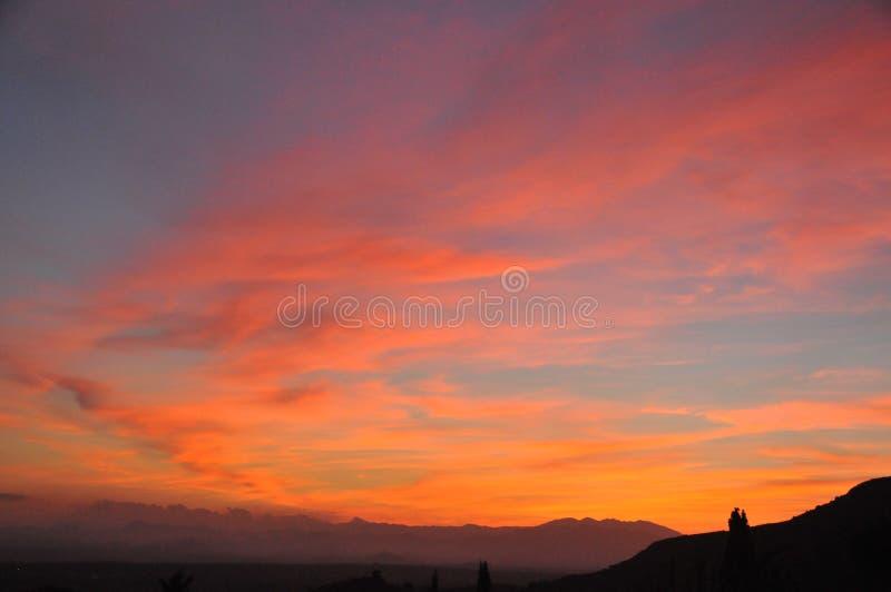 与醒目的颜色的日落 库存照片
