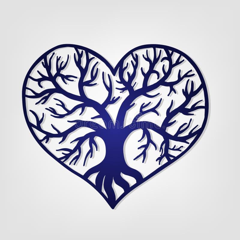 与里面树的透雕细工心脏 激光切口模板 免版税库存照片