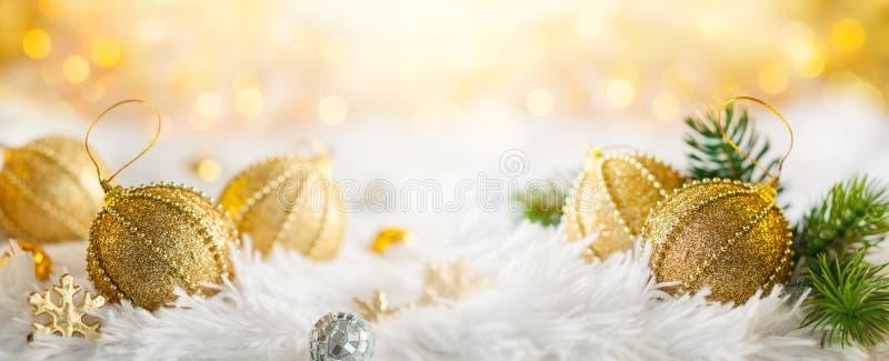 与金中看不中用的物品的圣诞节横幅 免版税库存照片